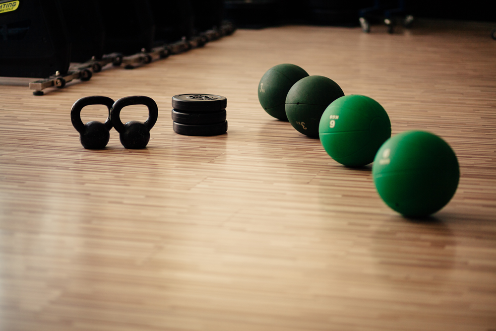 What are the benefits of having a personal trainer in West Palm Beach?